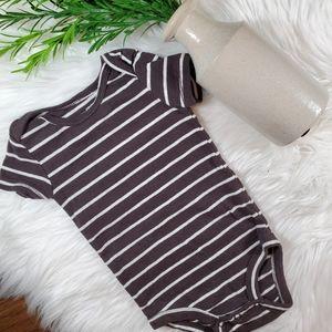 🌿5/$25 Carter's Stripe Onesie | sz 6 months